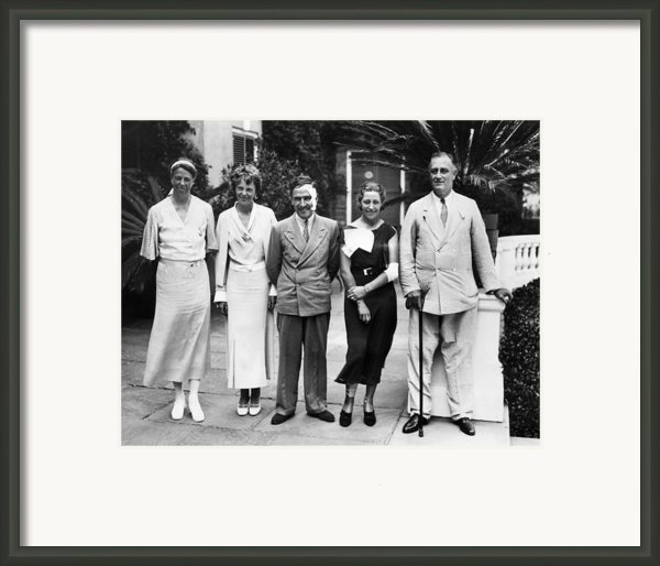 L-r First Lady Eleanor Roosevelt Framed Print By Everett