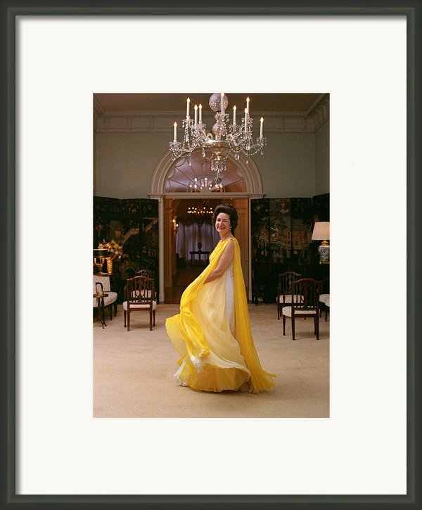 Lady Bird Johnson In A Flowing Framed Print By Everett