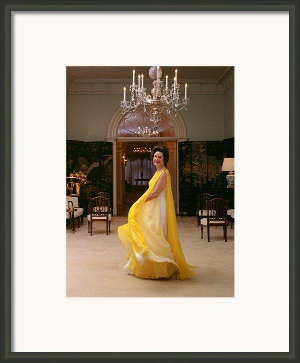 Lady Bird Johnson In A Flowing Framed Print By Everett