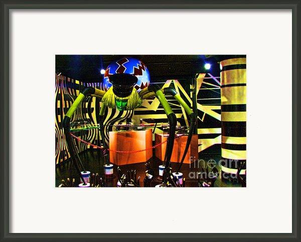 Lady Gaga Spider Framed Print By Chuck Kuhn