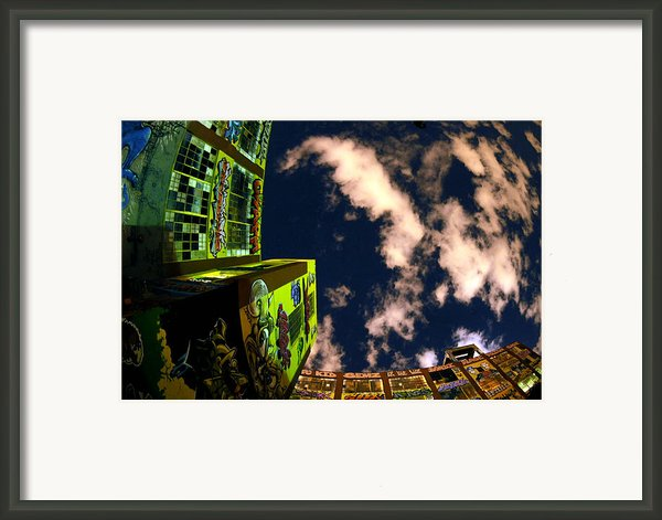 Lic Graffiti Framed Print By Mike Lindwasser Photography