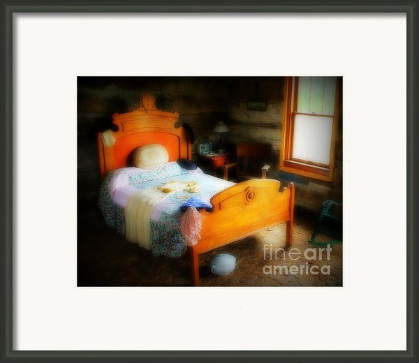 Log Cabin Bedroom Framed Print By Perry Webster