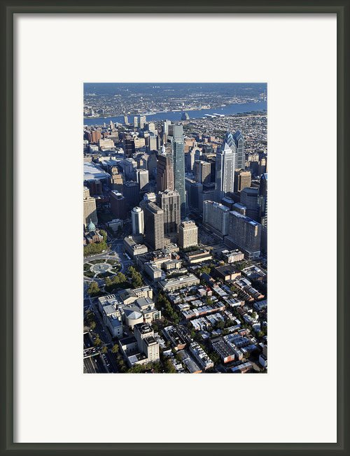 Logan Square Philadelphia Framed Print By Duncan Pearson