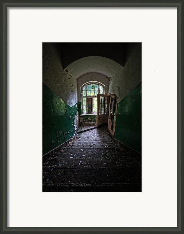 Looking Down Framed Print By Nathan Wright