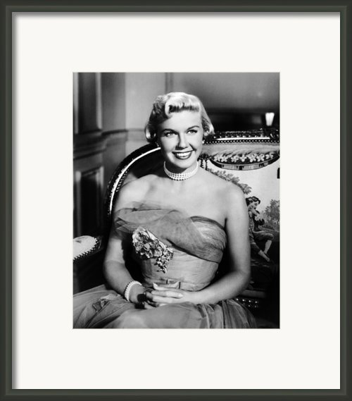 Lullaby Of Broadway, Doris Day, 1951 Framed Print By Everett