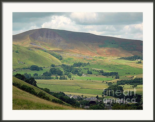 Mam Tor - Derbyshire Framed Print By Graham Taylor