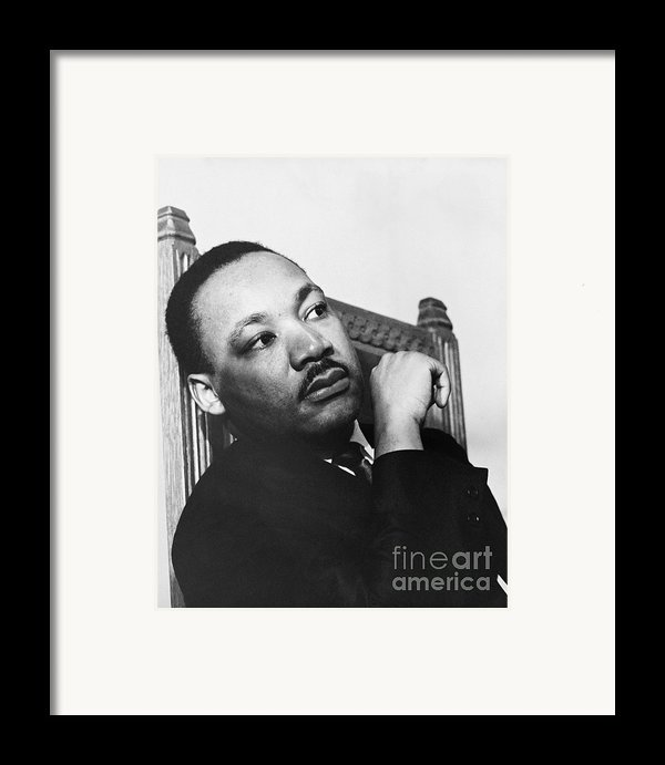 Martin Luther King, Jr Framed Print By Photo Researchers