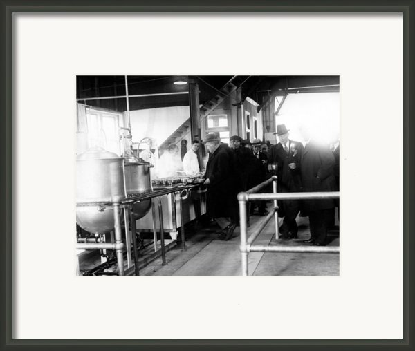 Men Wait In Line For Food Framed Print By Everett