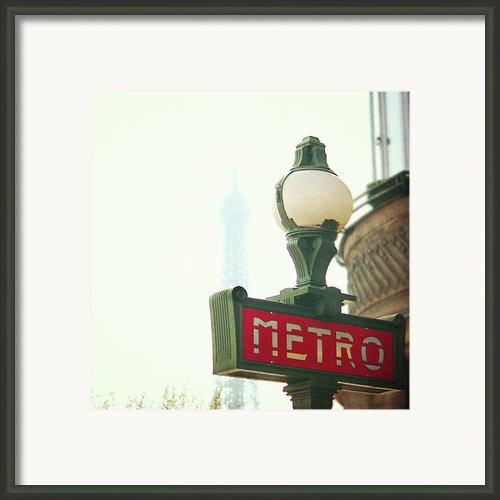 Metro Sing Paris Framed Print By Gabriela D Costa