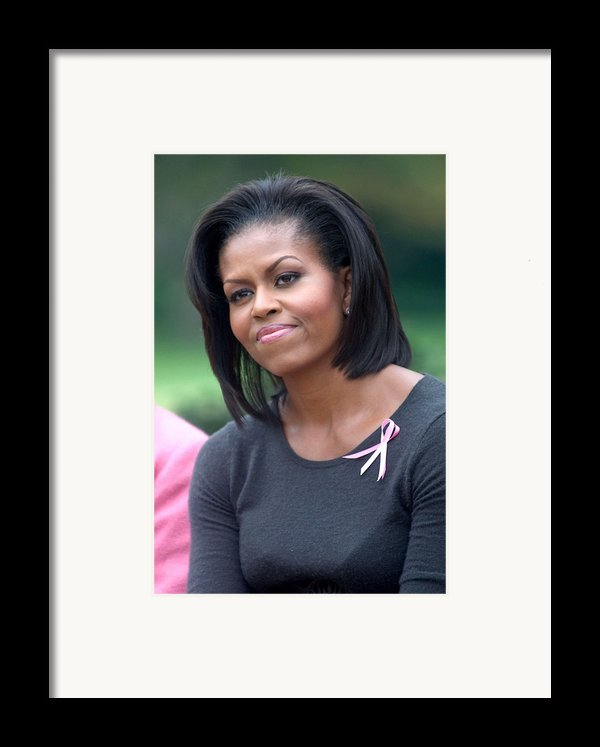 Michelle Obama At The Press Conference Framed Print By Everett