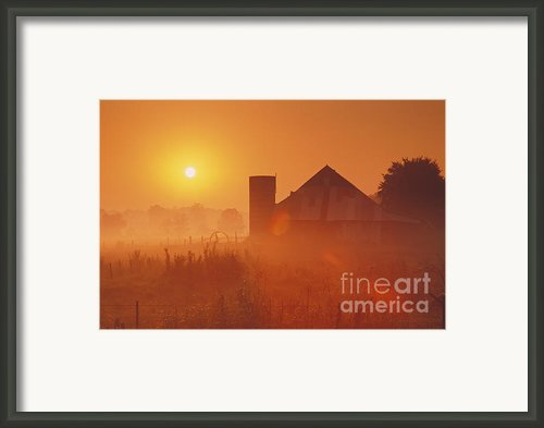 Midwestern Rural Sunrise - Fs000405 Framed Print By Daniel Dempster