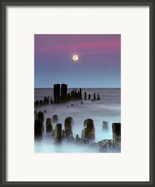 Moonrise Framed Print By James Jordan Photography