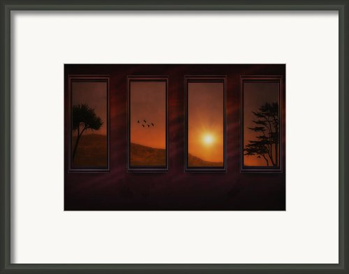 Mountain Sunset Framed Print By Tom York