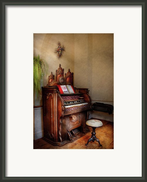 Music - Organ - Hear The Joy  Framed Print By Mike Savad