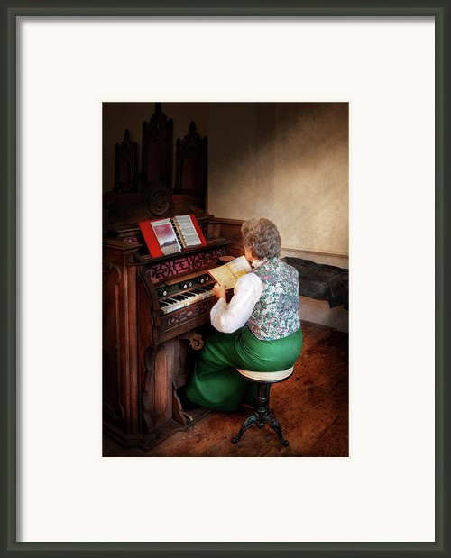Music - Organist - The Lord Is My Shepherd  Framed Print By Mike Savad