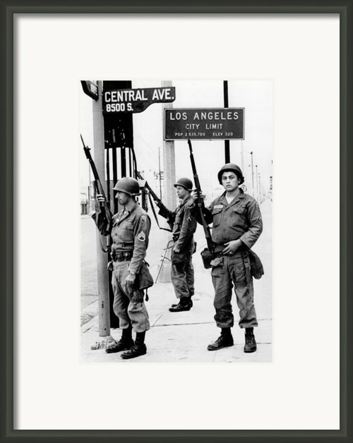 National Guardsmen At A Los Angeles Framed Print By Everett