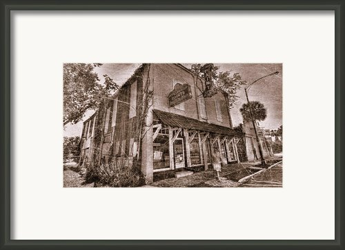 Ocala Twilight Zone Framed Print By Andrew Armstrong  -  Orange Room Images