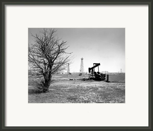 Oklahoma Oil Field Framed Print By Larry Keahey