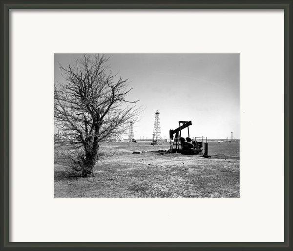 Oklahoma Oil Field Framed Print By Larry Keahey