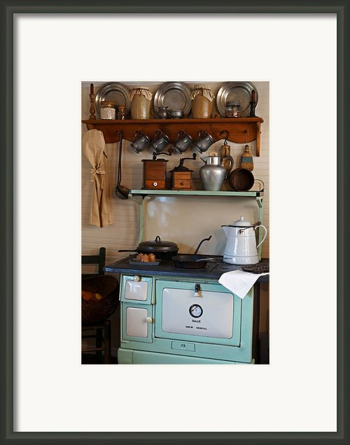 Old Cook Stove Framed Print By Carmen Del Valle