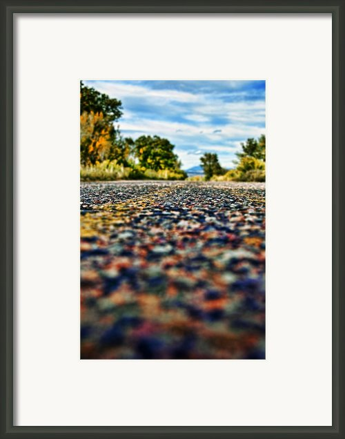 Old Country Road Framed Print By Ray Laskowitz - Printscapes