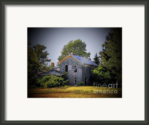 Old Home In Indiana Framed Print By Joyce L Kimble