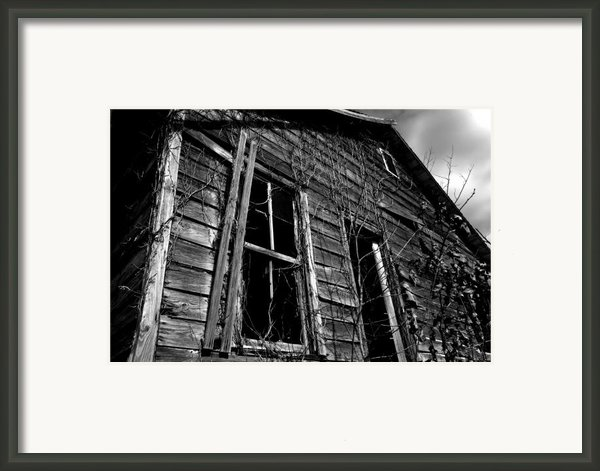 Old House Framed Print By Amanda Barcon