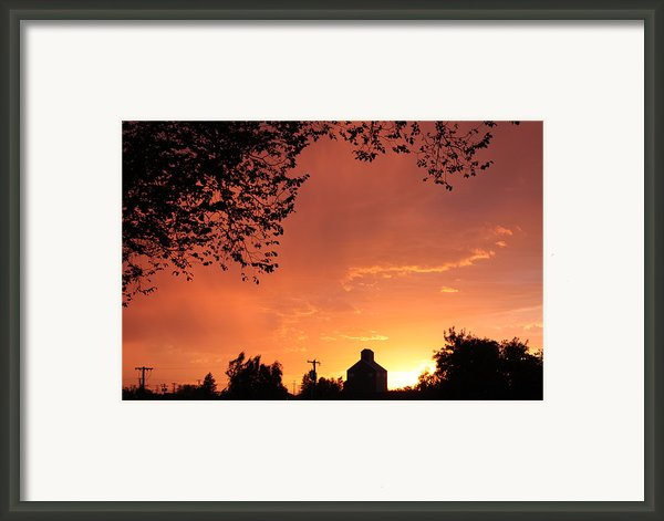 Orange Sunset Over Prosser Framed Print By Carol Groenen