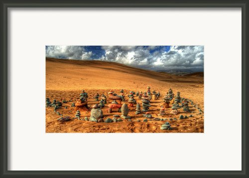 Pebblehenge Framed Print By Rob Hawkins
