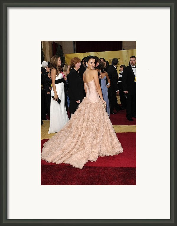 Penelope Cruz Wearing Atelier Versace Framed Print By Everett