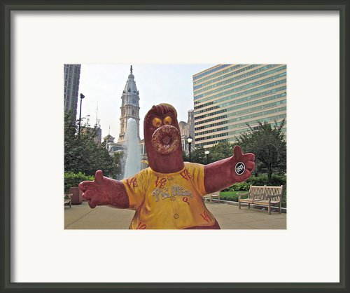 Phanatic Love Statue In The City Framed Print By Alice Gipson