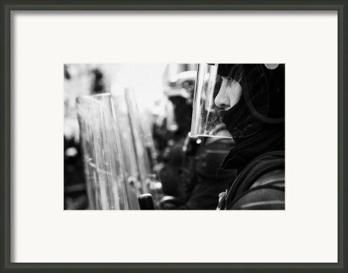 Psni Northern Ireland Riot Police Framed Print By Joe Fox
