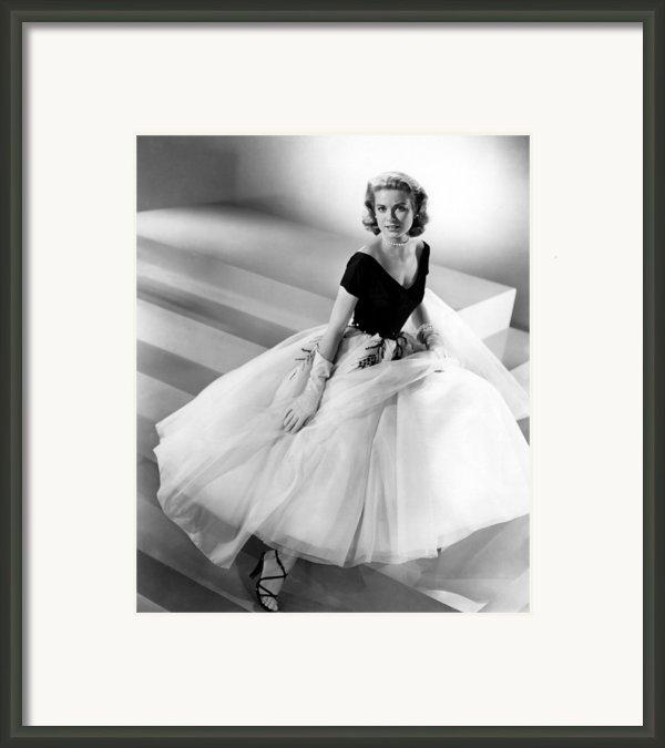 Rear Window, Grace Kelly, 1954 Framed Print By Everett