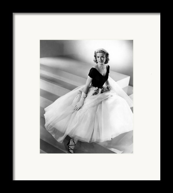 Rear Window, Grace Kelly, 1954 Framed Print By Everett