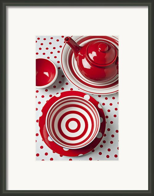 Red Teapot Framed Print By Garry Gay