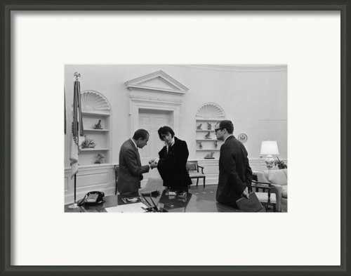 Richard Nixon Meeting With Elvis Framed Print By Everett