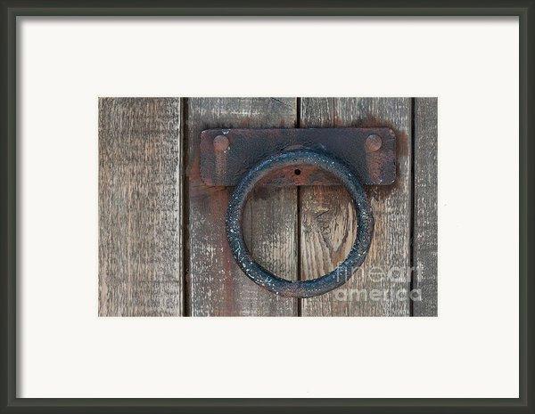 Ring Knock Framed Print By Dan Holm