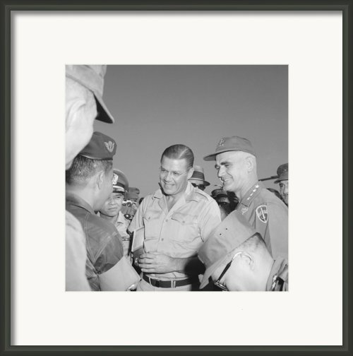Robert Mcnamara And General Framed Print By Everett