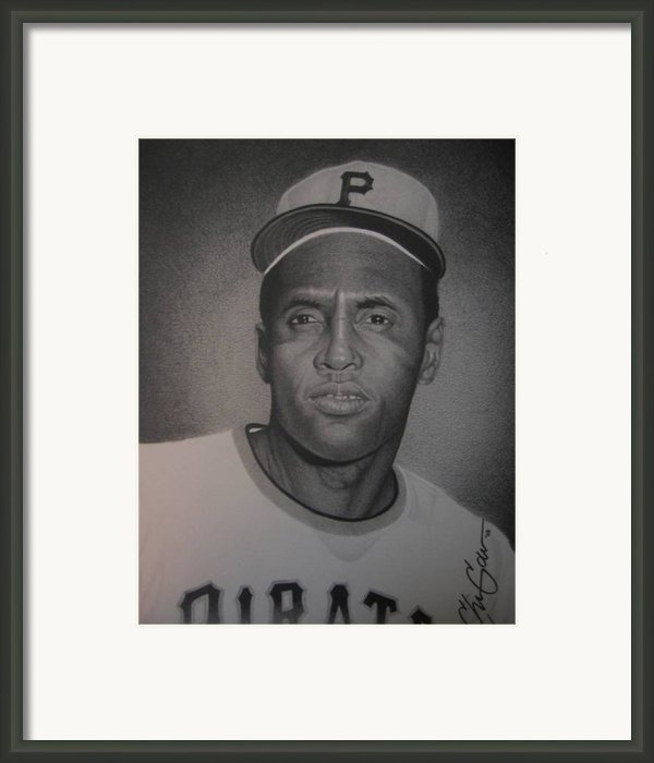 Roberto Clemente Framed Print By Christian Garcia