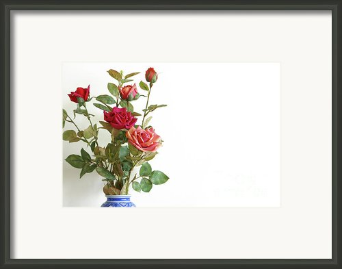 Roses Bouquet Framed Print By Carlos Caetano