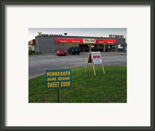 Rush Hour At The Y  Framed Print By Gary Eason