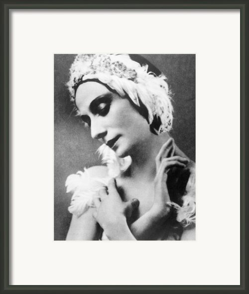 Russian Ballet Dancer Anna Pavlova Framed Print By Everett