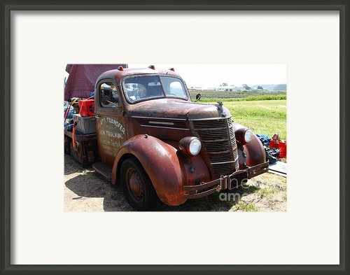 Rusty Old 1935 International Truck . 7d15498 Framed Print By Wingsdomain Art And Photography