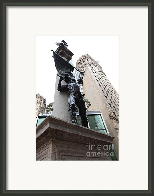 San Francisco - Monument On Market Street - 5d17845 Framed Print By Wingsdomain Art And Photography