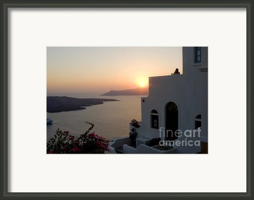 Santorini Sunset Framed Print By Leslie Leda