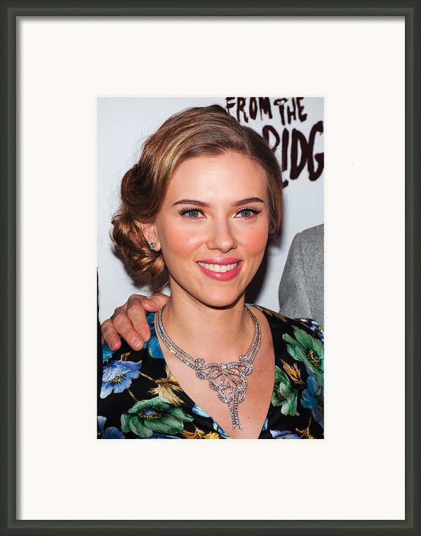 Scarlett Johansson Wearing Van Cleef & Framed Print By Everett