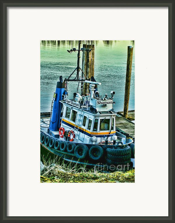 Shaman Tug-hdr Framed Print By Randy Harris