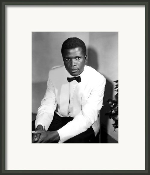 Sidney Poitier, On The Set For The Film Framed Print By Everett