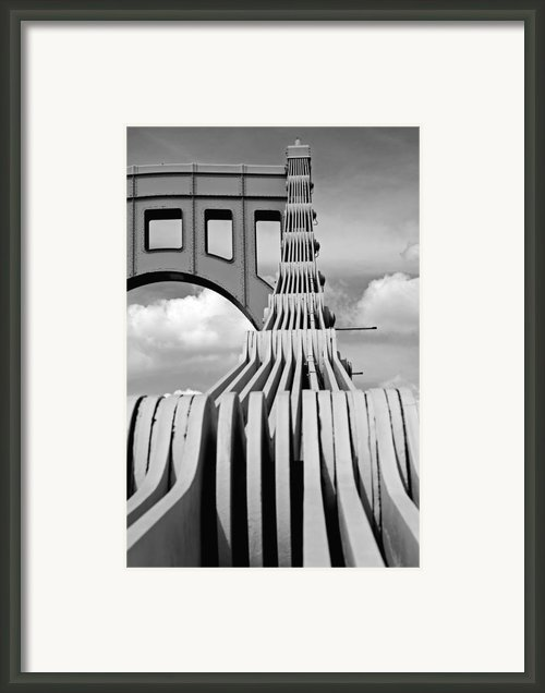 Sixth Street Perspective Pittsburgh Pa Framed Print By Kristen Vota