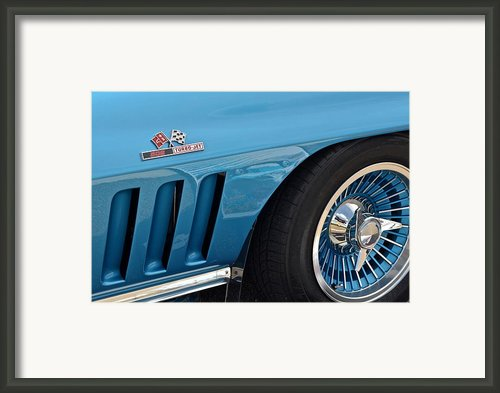 Sixty Six Corvette Roadster Framed Print By Robert Harmon